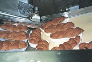 食品(パン)の移送